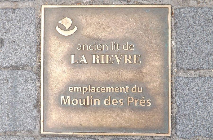 plaque lit bièvre angle rue pape